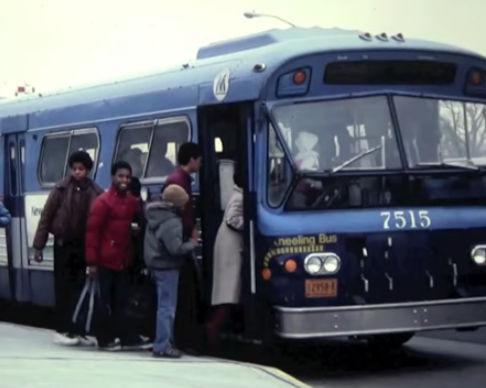 bus-kneeling
