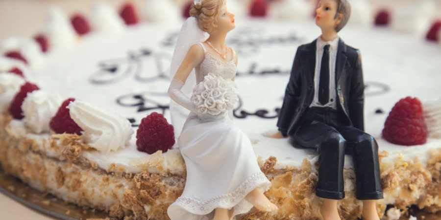 I Know It Sounds Psycho, But I Swear The Wedding Cake Toppers Came ToLife