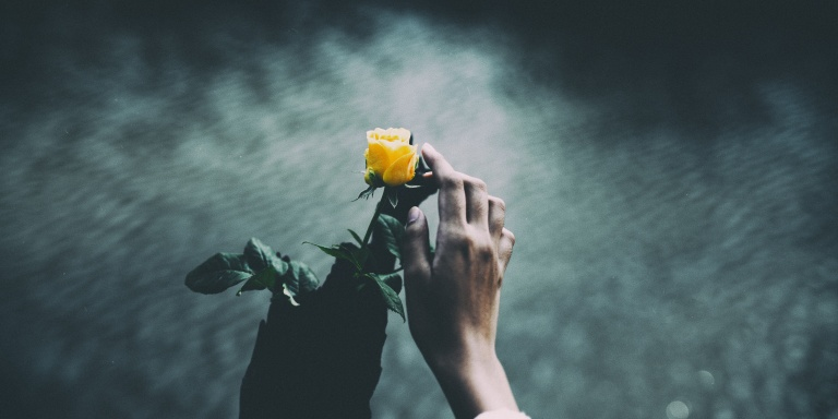 6 Lessons I Learned From Unrequited Love That Hurt But Also Heal