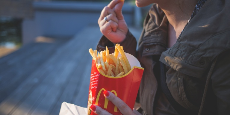 This Is How You Overcome Your Emotionally Compulsive EatingHabits