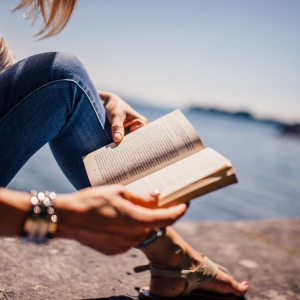 7 Ways A Book Can Give You Back Pieces Of Yourself