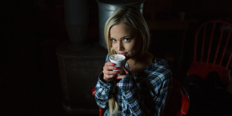 10 Things A Woman Does That Make Her A Straight-Up 'Fairytale' Girlfriend