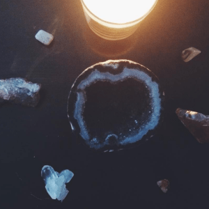 Here's What Crystal You Need, Based On What You Want To Manifest In Your Life This Year