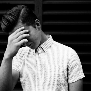 8 Beautiful Signs He's Being Vulnerable With You
