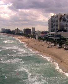 1981-fll-beach-cloudy