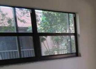 2732-bed-window
