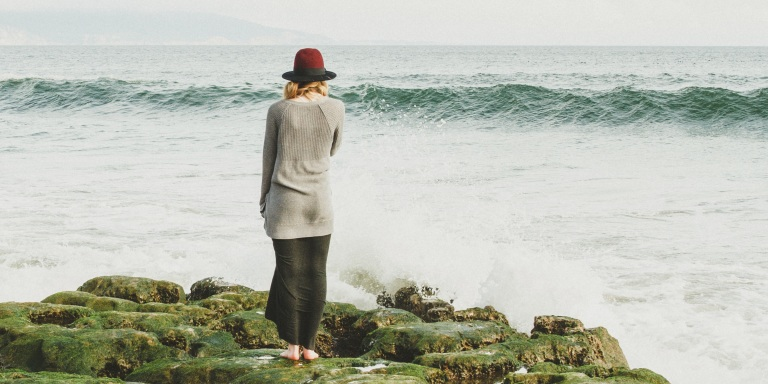 12 Ways To Love The Independent, Introverted Girl (Because It's Not AlwaysEasy)
