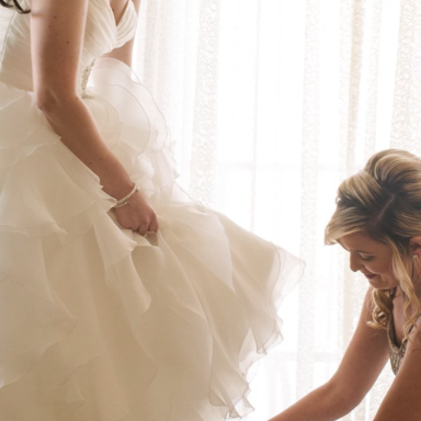 Here's What You Learn When You Walk Down The Aisle As A Professional Bridesmaid