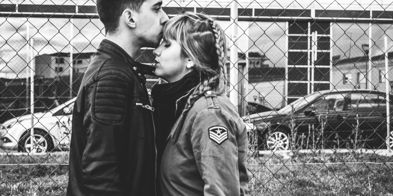 7 Small Signs You're (Unintentionally, But Totally) Ruining YourRelationship