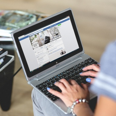 Social Media Can Ruin Your Relationship (And Your Life)