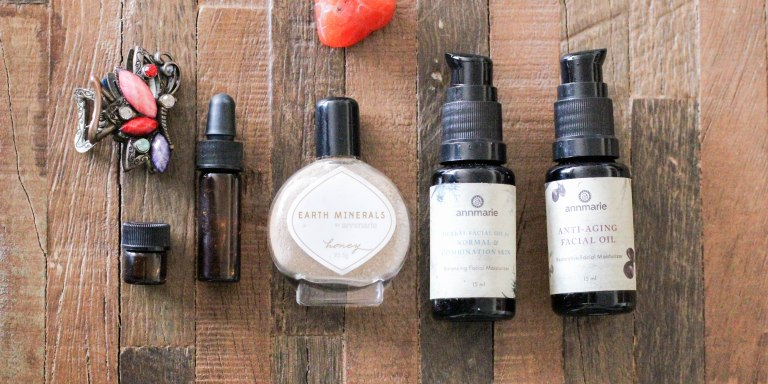 Natural TSA Approved Beauty Products That Are Perfect ForTravelers