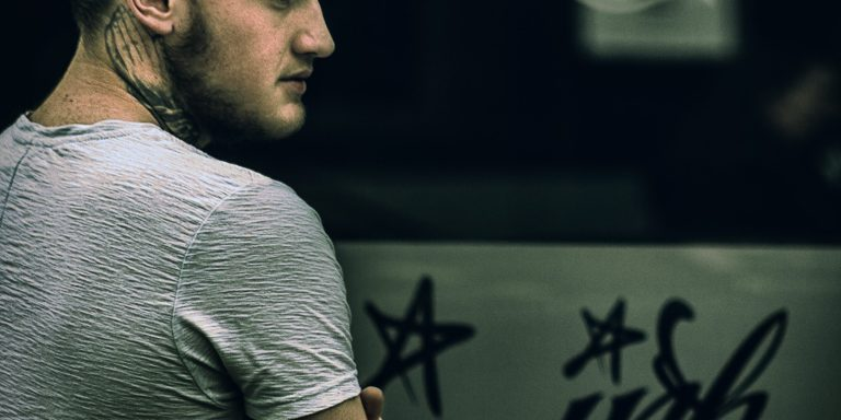 Read This If You Are Addicted To DestructiveRelationships