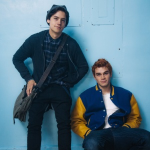I'm 25 And Have A Fat Crush On Riverdale's 19-Year-Old Star, Is That Weird???