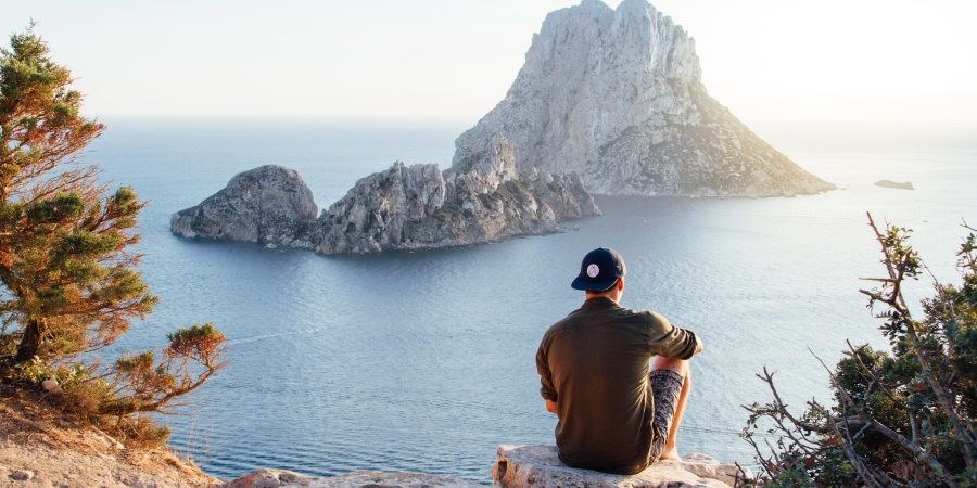 Don't Date A Guy Who Travels, He's Not A GreatCatch
