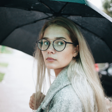 16 Signs You're Not Actually An Introvert, You're A Highly Sensitive Extrovert