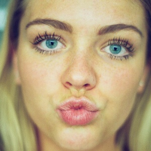 10 Ways You Accidentally Look Like An Asshole When You're Insecure