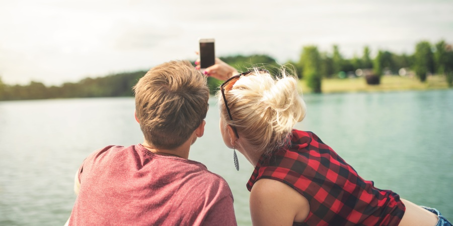 How I Met My Boyfriend On Tinder (And Why I'm Not Ashamed)