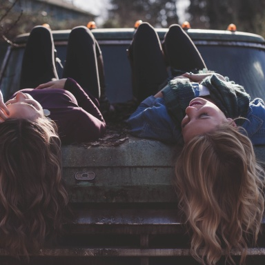 11 Reasons Why Perpetually Single People Make The Best Type Of Friends