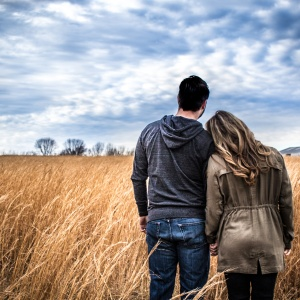 5 Signs She's The One And You Shouldn't Lose Her