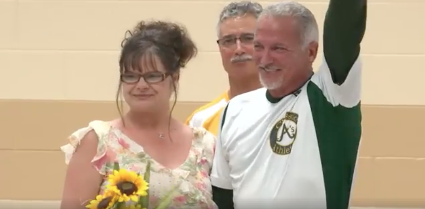 This Terminally Ill Man Married His Long-Lost Love Of 20 Years Just Hours After Reuniting WithHer