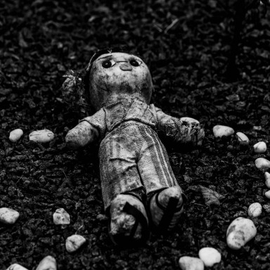 50 People Share The Spooky As Hell Unexplained Mysteries That Haunt Them To This Day