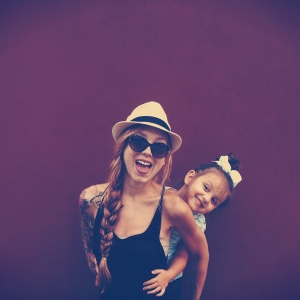 10 Things Mothers Who Raise Strong Daughters Do Differently
