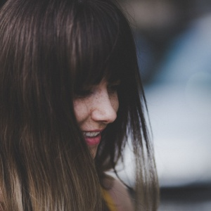 4 Uncomfortable Things Only Extroverted Introverts Will Understand