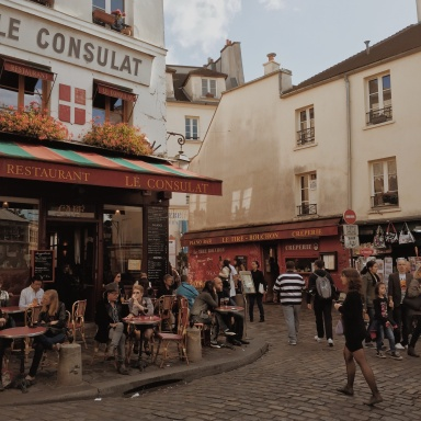 What Each Myers-Briggs Type Does While In Paris
