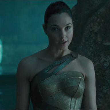 People Are Pissed That Gal Gidot Only Made $300,000 From 'Wonder Woman,' But It Might Not Be As Unusual As You'd Think