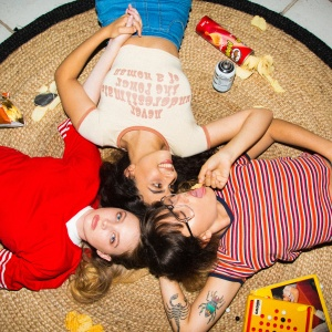 26 Fun (And Easy) Ideas For Your Girls' Night In