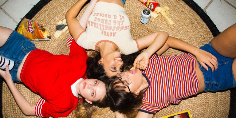 26 Fun (And Easy) Ideas For Your Girls' NightIn