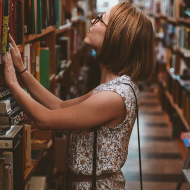 This Is What It Means To Be A Bookworm