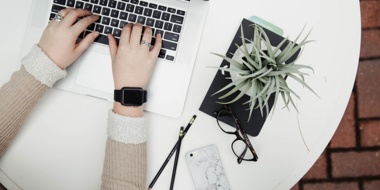 5 Hacks To Work Into Your Routine If You're Constantly Procrastinating And Getting NothingDone
