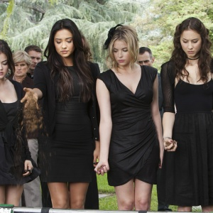 This Is The Pretty Little Liars Character You Are, Based On Your Zodiac Sign