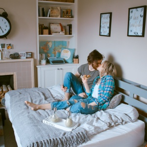 This Is How You Date A Girl Who Still Lives At Home