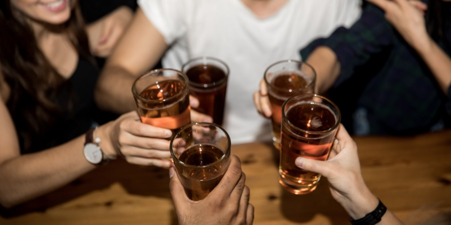 College Glamorized My Alcohol Abuse (But It's Not Cute Anymore)