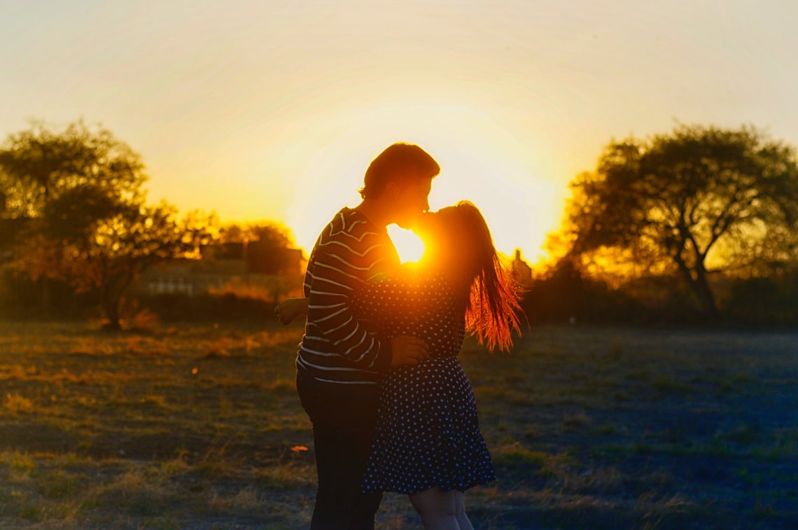 How To The Love the Girl who puts everything on her own shoulders