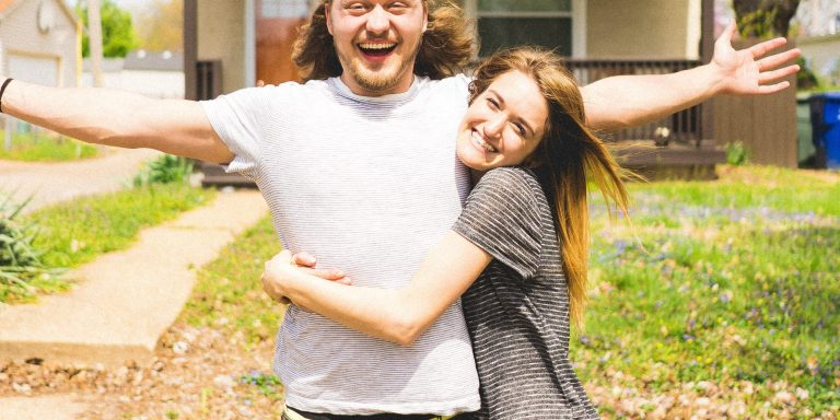 She's Not Really Your Forever Person Unless She Does These 12 'Clingy' Things