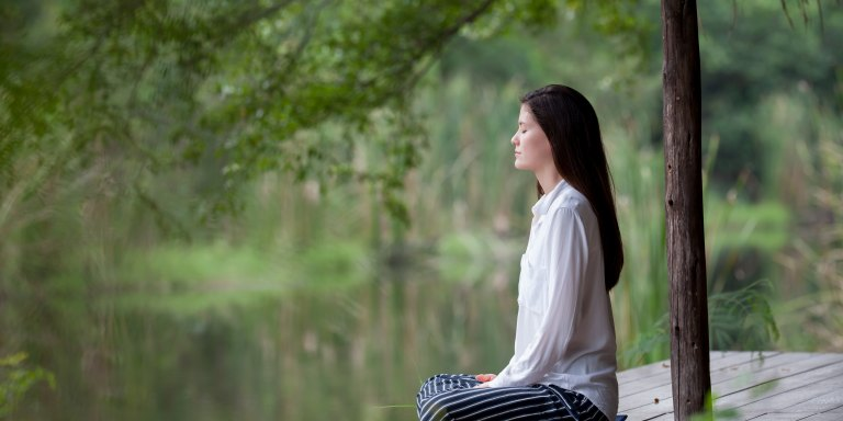 15 Ways To Stay Calm When Life GetsStressful