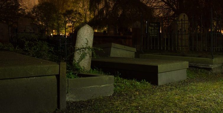 22 People Reveal The Gruesome Details About The Time They Found A Dead Body