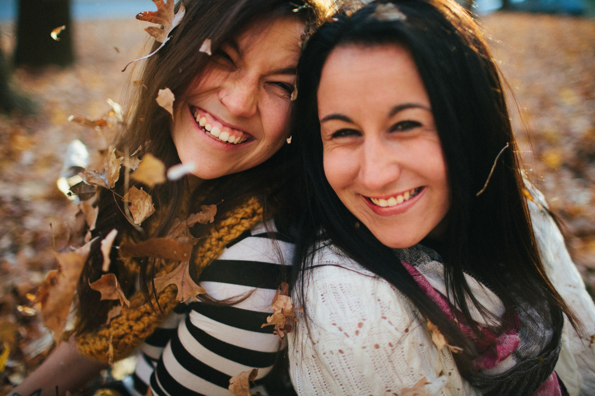 fun things to do with your friends this fall, fall ideas, girlfriends