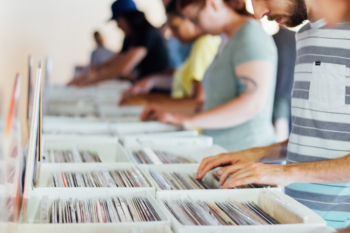 people shopping for records