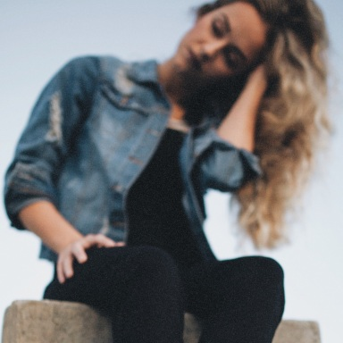 10 Alarming Signs You Need To Break Up With Him
