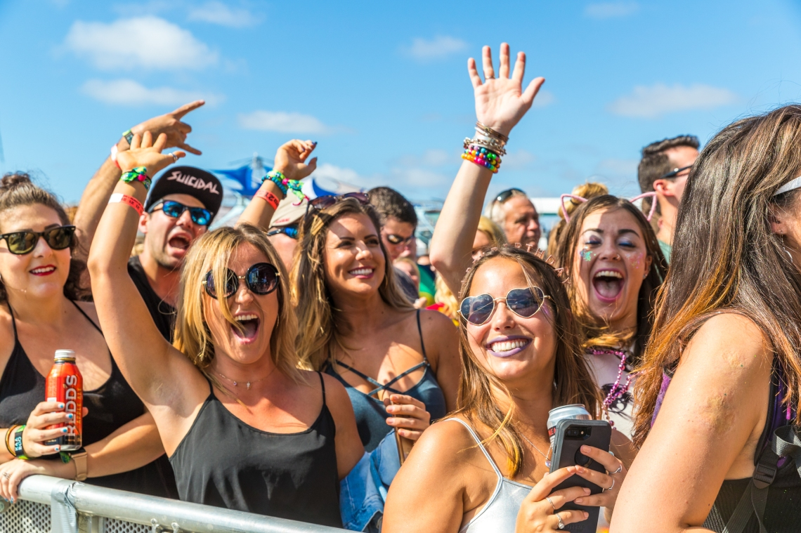 happy people, music festival, music festival guide