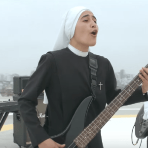 "Siervas, a band of Peruvian nuns, in their music video for ""Confía en Dios"""