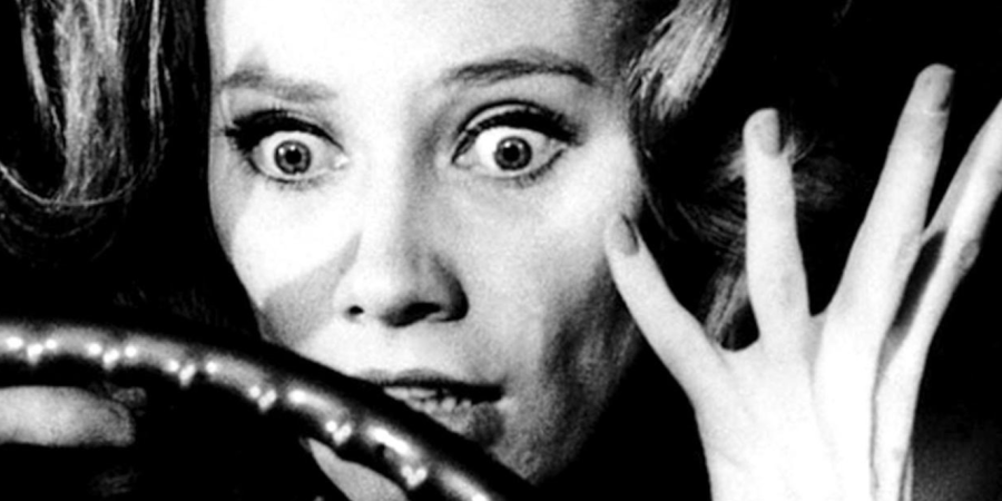 10 Classic Horror Movies Everyone Should See At Least Once