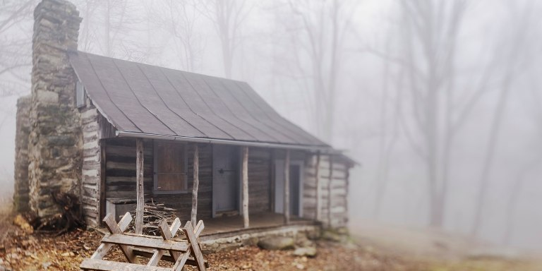 10 Real-Life Haunted Cabins You Can Visit ThisHalloween