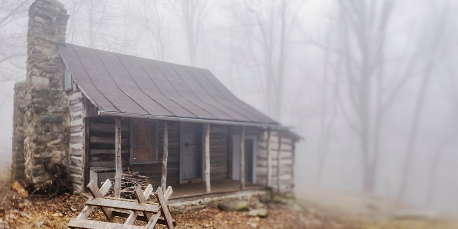 10 Real-Life Haunted Cabins You Can Visit This Halloween