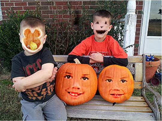 People Tried Face Swapping With Jack-O-Lanterns And The Photos Are Straight Out Of A HorrorMovie