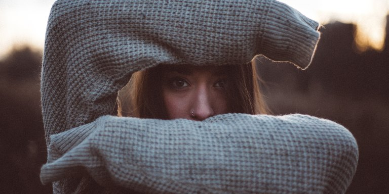 4 Uncomfortable Situations Every Quiet Person Hates Finding ThemselvesIn